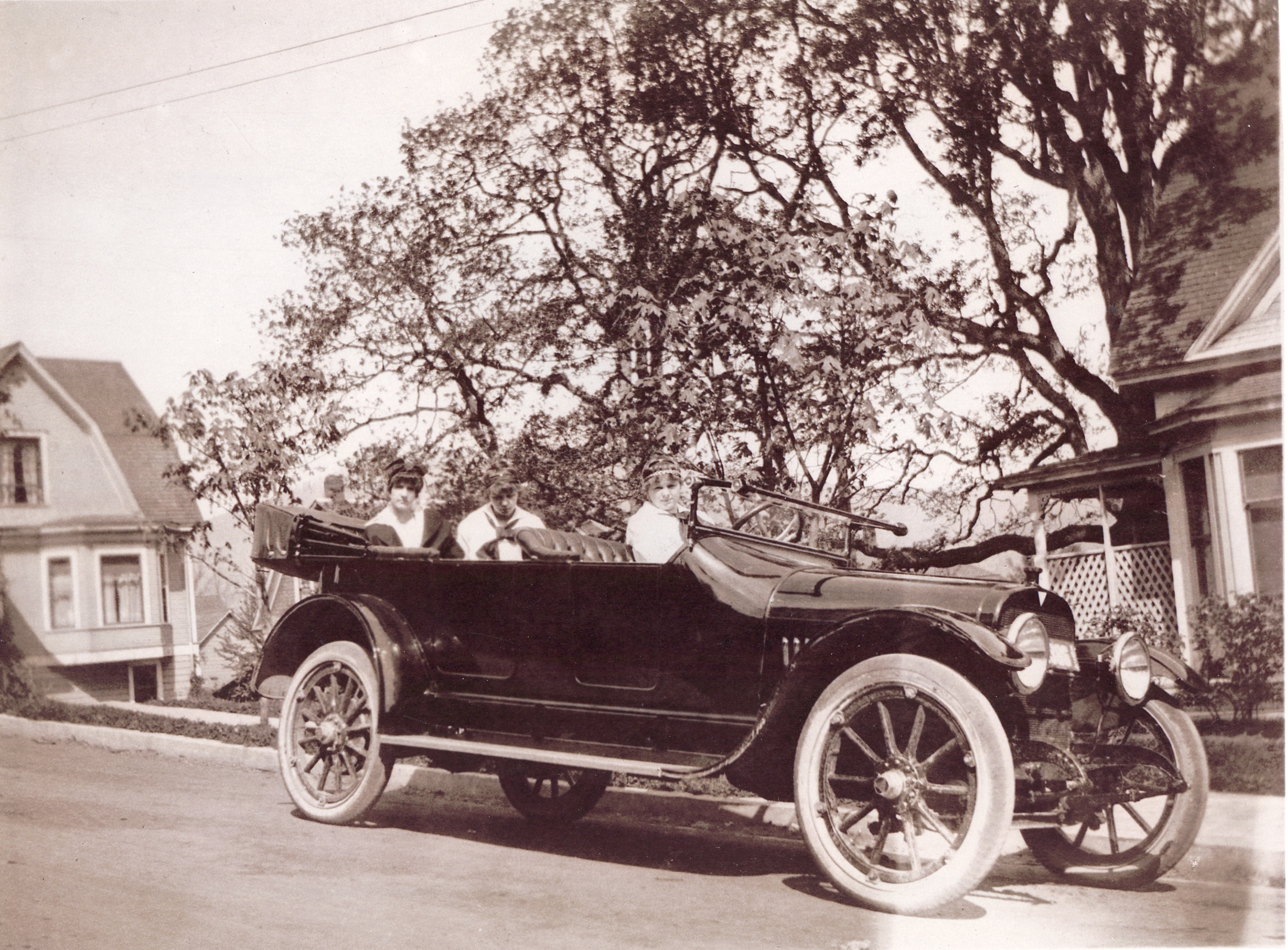 Medora in Portland circa 1915