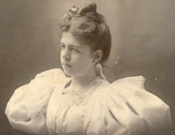 """Mama"" - Helen Richardson, 1896"