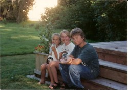Oysterville Kids - The Freshley Girls and Nick