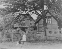 Heckes House with Annex (r.) circa 1930