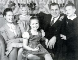 The Keith Jone Family, 1947 - Virginia, Kathy, Kris (in front), Keith, Bruce